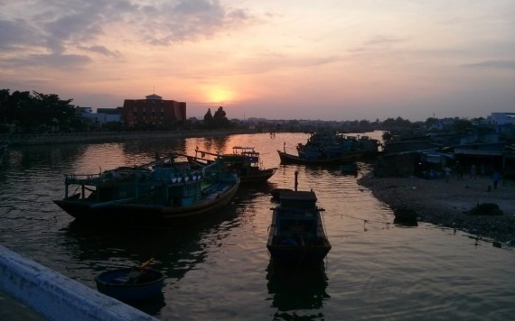 Sundown at Phan Thiet's inner harbour