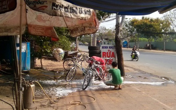 My bicycle gets a thorough scrubbing before going to the bike shop