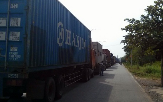 A long line of trucks queuing to enter Cambodia.