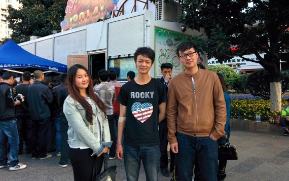 Miss Wu and her friends, one of which has just given blood